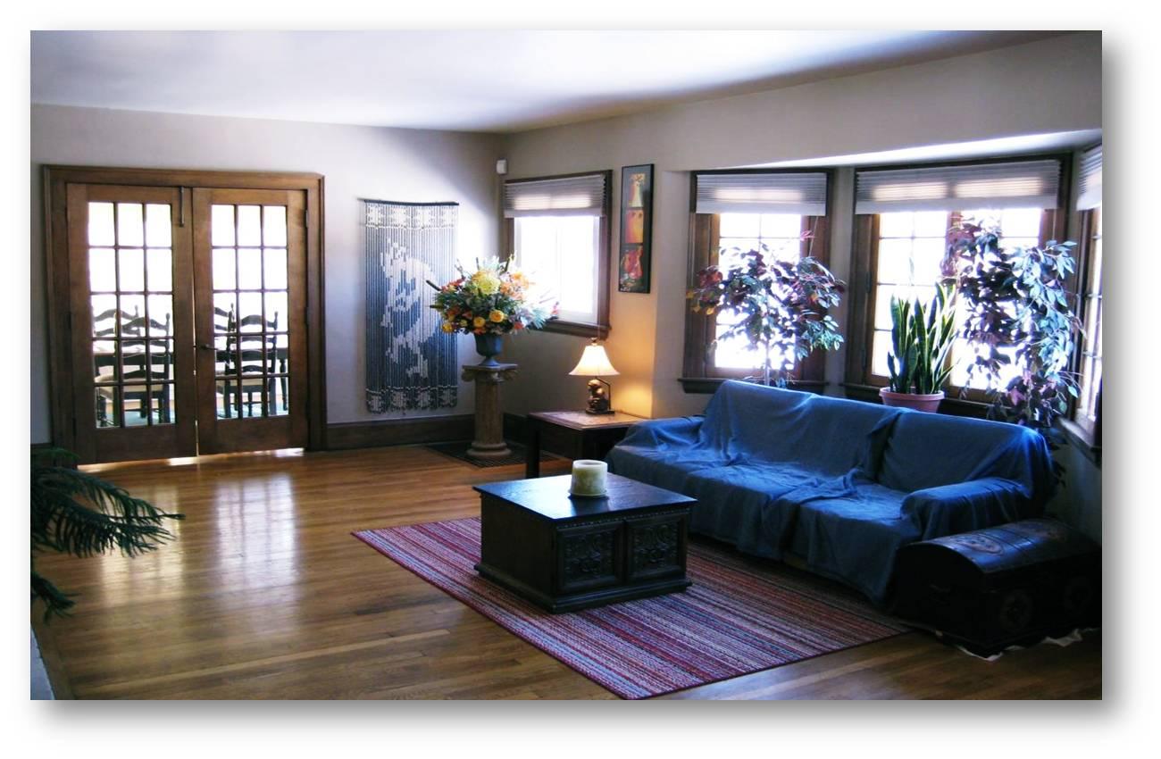 cara membuat ruang keluarga kecil terasa luas jujubandung