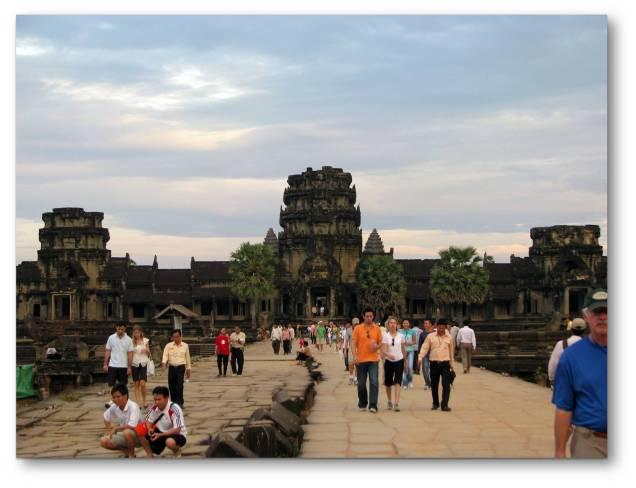 Angkor Wat dan Perjalanannya