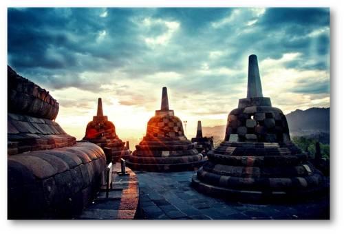 Keajaiban Dunia Warisan yang Misterius dan Historis